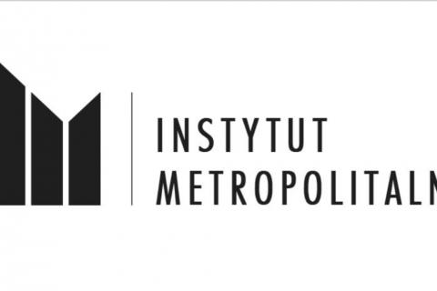 Baner z czarnym napisem Instytut Metropolitalny